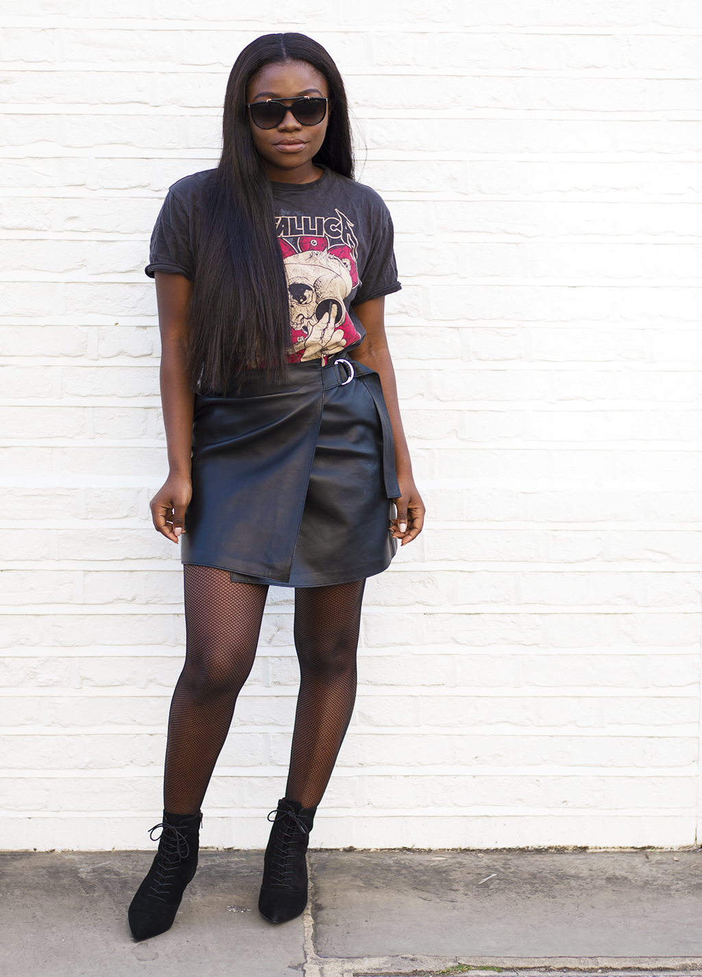 metallica-vintage-tee-other-stories-leather-skirt-other-stories-boots-1